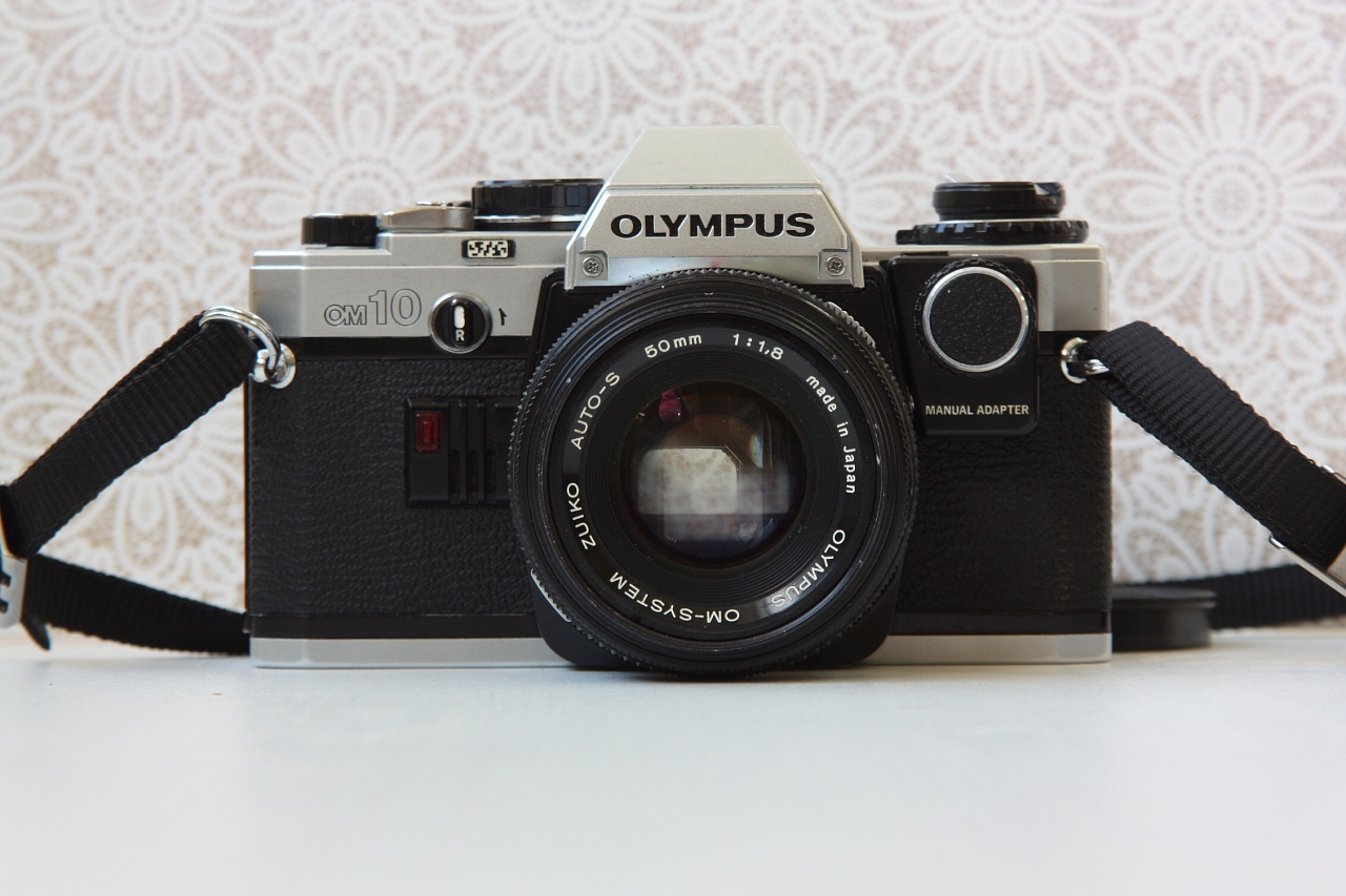 olympus om 10 + olympus om syst f.zuiko auto-s 50 mm f/1.8 + manual adapter