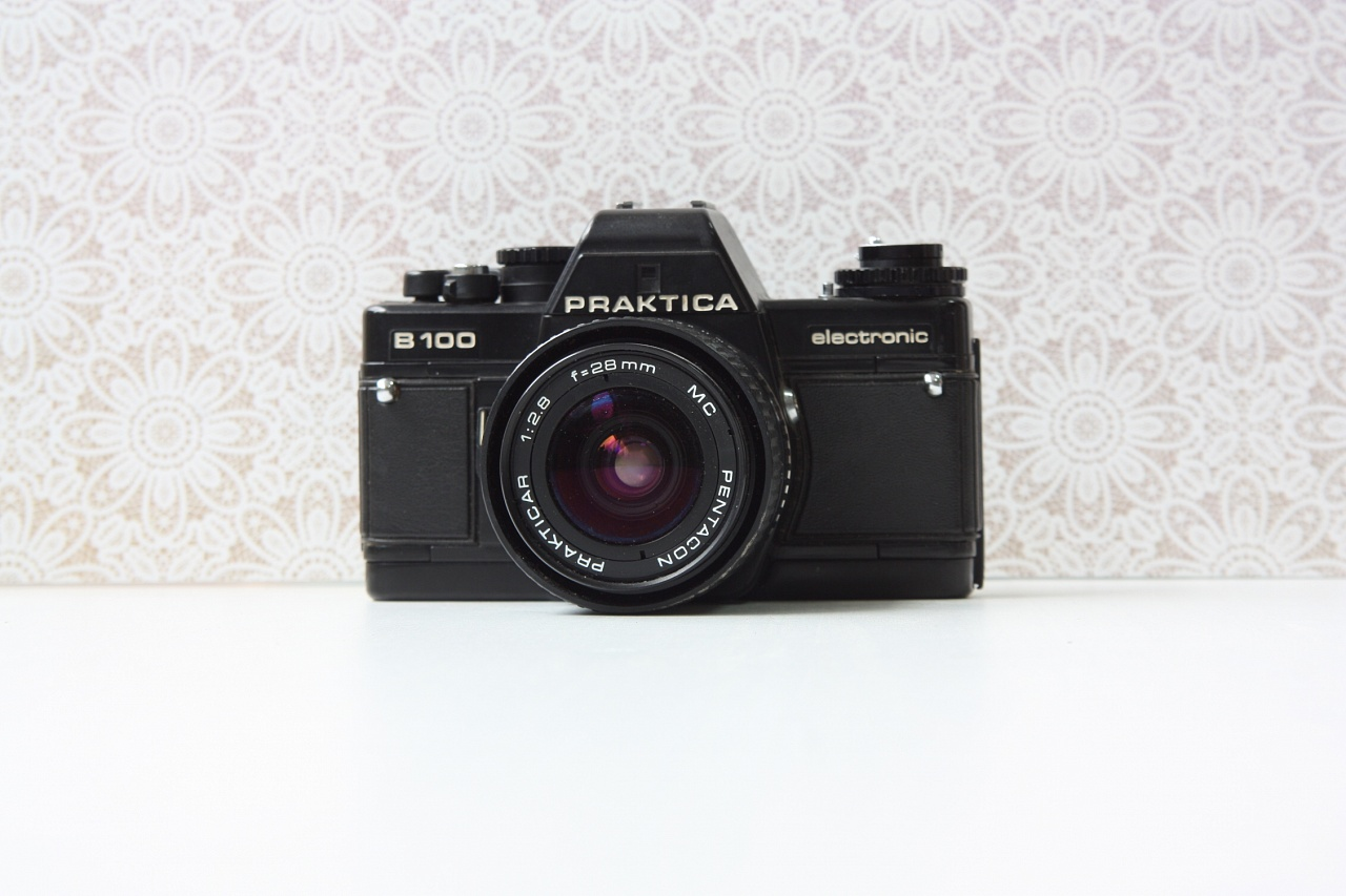 Praktica B100 + Pentacon Prakticar MC 28 mm f/2.8 фото №1