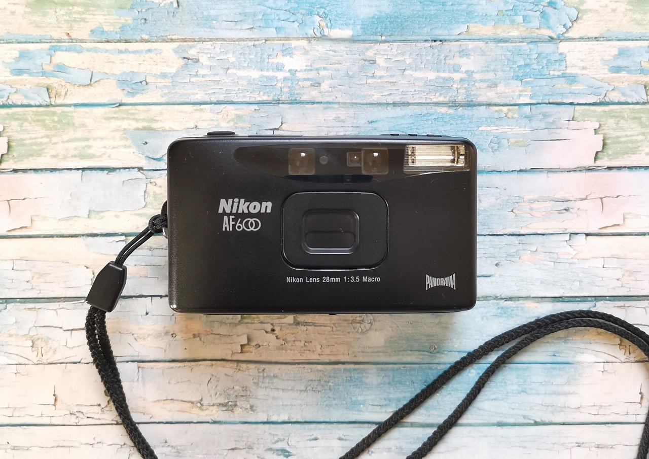 Nikon AF600 / Lite • Touch / MiniTouch фото №1